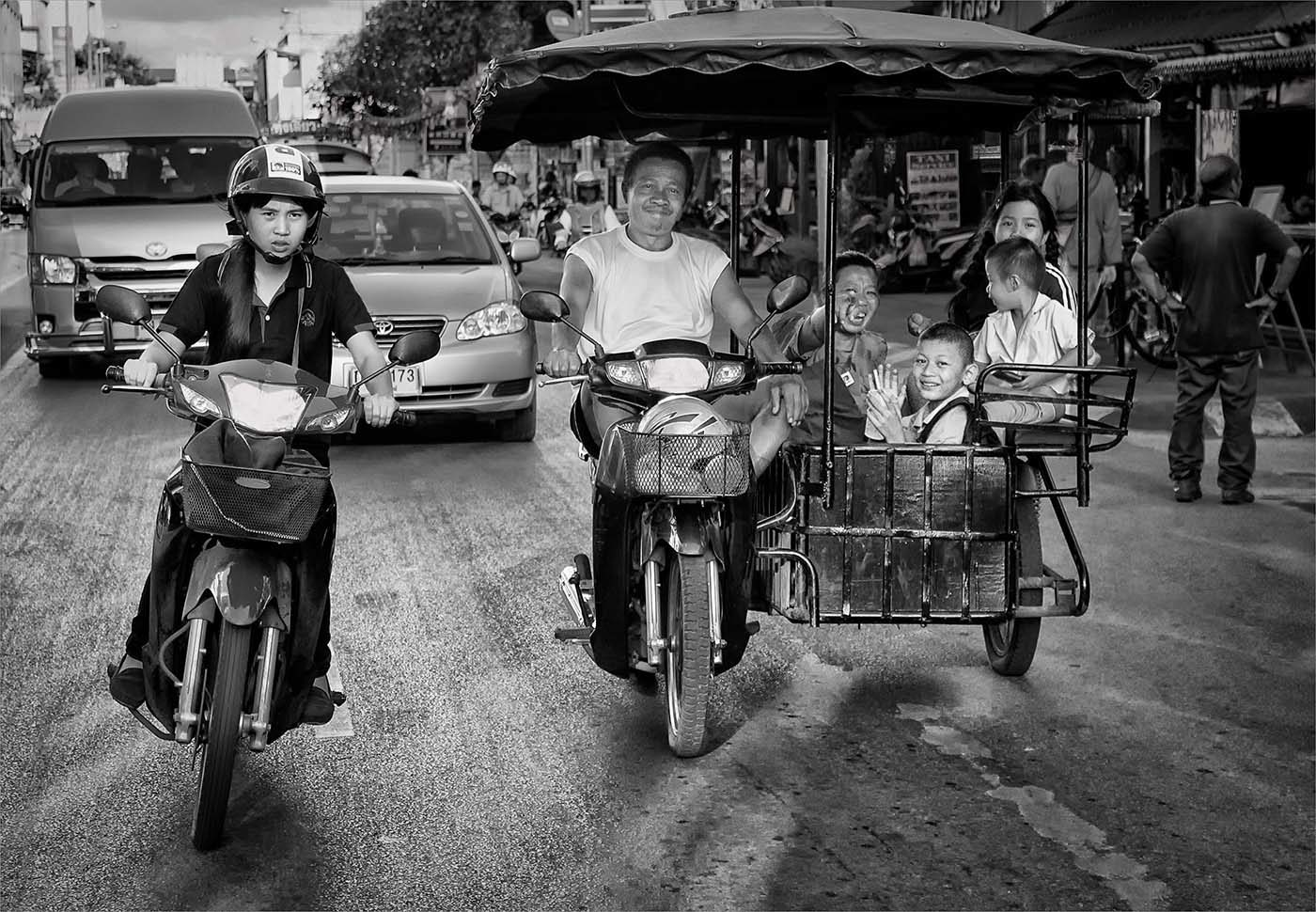 The streets of Chang Mai </br>by Carol Robinson </br>(A Grade) – HONOUR