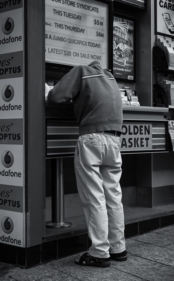 Man Loses Head Over Gambling by Robert Zappia (A Grade) – HONOUR